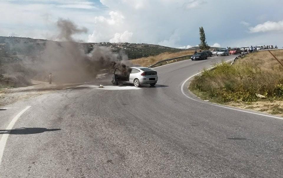 Φωτιά σε αυτοκίνητο πριν τα διόδια Μοσχοχωρίου