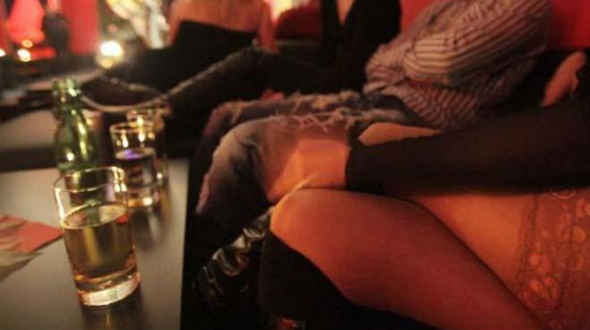 Συλλήψεις για μαστροπεία τα ξημερώματα στη Λάρισα