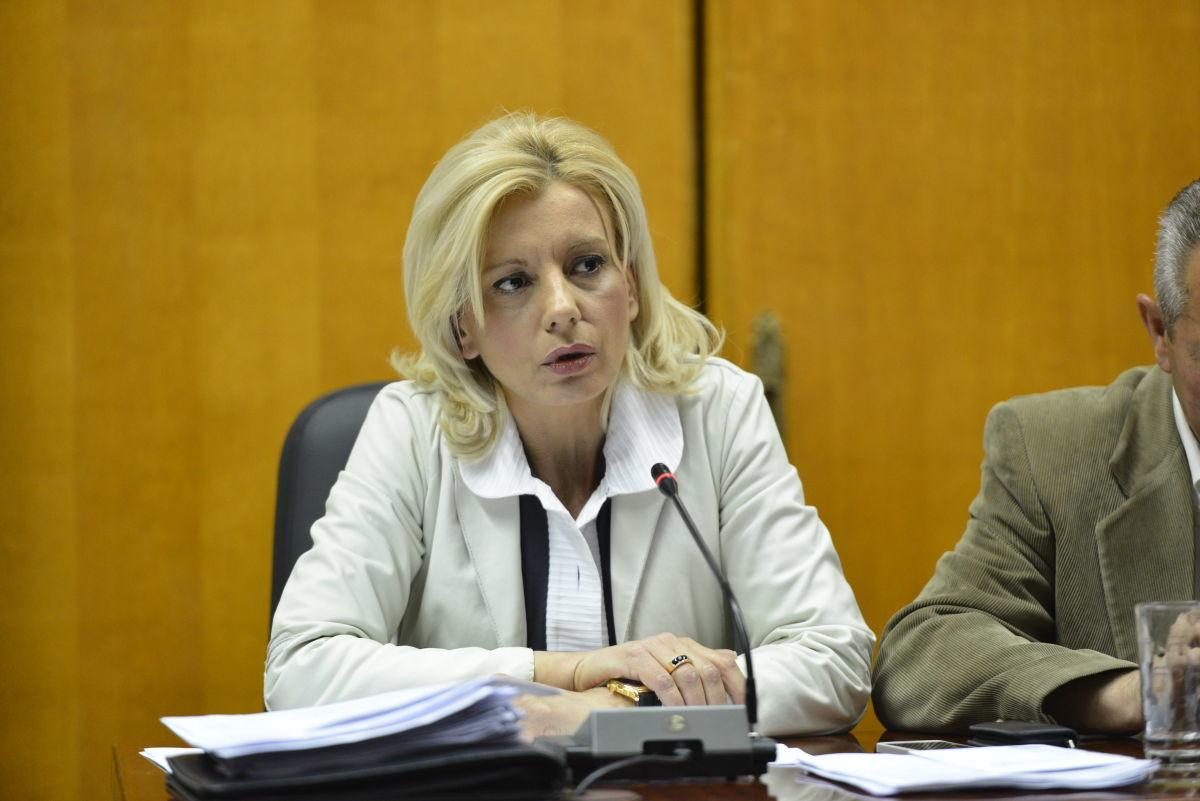 Ρένα: Η δημοτική αρχή να αναλάβει τις ευθύνες της