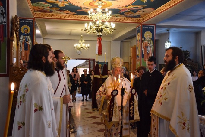 Θεία Λειτουργία στον Ι.Ν. Αγίας Αικατερίνης στο Αλκαζάρ