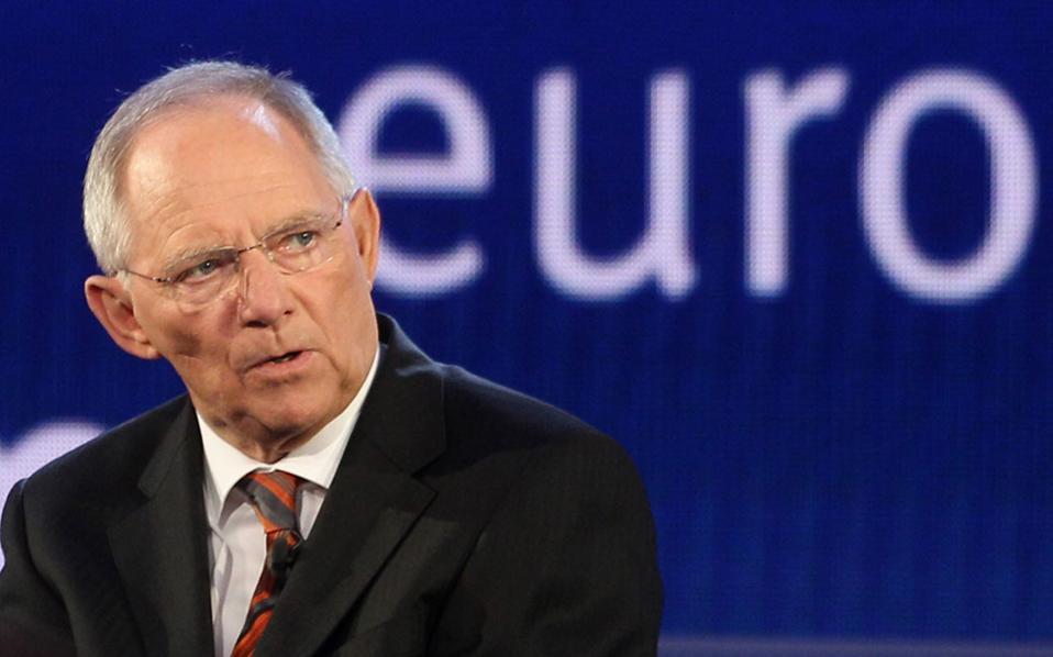 Προειδοποίηση Σόιμπλε για ξαφνική χρεοκοπία της Ελλάδας