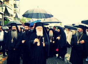 Παρουσία του Αρχιεπισκόπου Ιερωνύμου τα Τρίκαλα τιμούν τον Πολιούχο τους