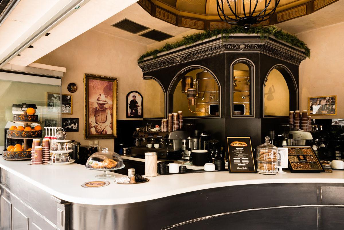 Το ατμοσφαιρικό SICILY street cafe