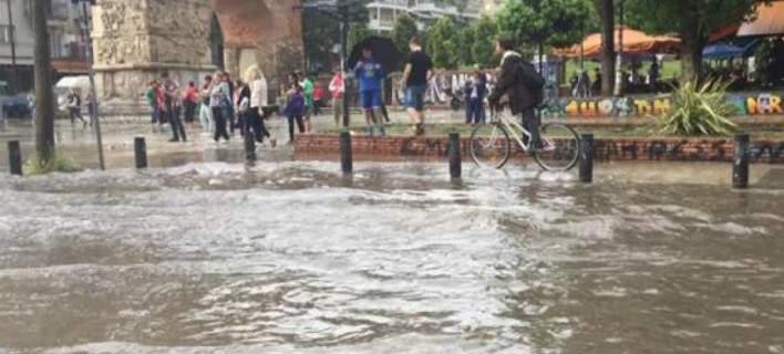 H Θεσσαλονίκη έγινε… ποτάμι