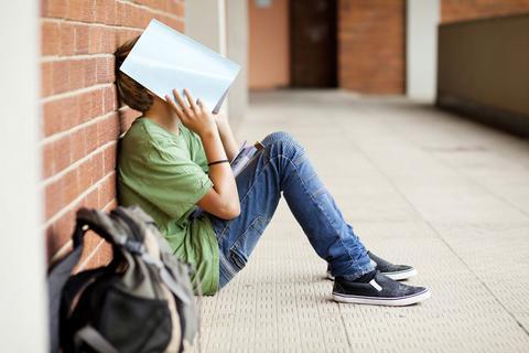 SOS για τον εθισμό των νέων στο τζόγο