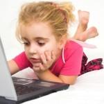Πάντα υπό την καθοδήγηση των γονέων η πλοήγηση των παιδιών στο διαδίκτυο