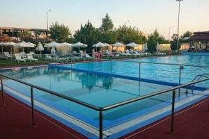 Ανοίγει η Δημοτική πισίνα στην Νεάπολη