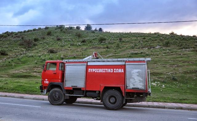 Επτά πυροσβεστικά οχήματα στέλνει η Ελλάδα στην Αλβανία