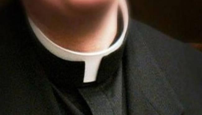 Παιδεραστής ιερέας: Ο διάβολος με έβαλε να το κάνω· Νόμιζα ότι ήταν 15χρονη