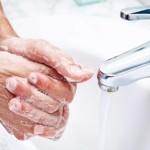 Ο πιο ασφαλής τρόπος για να στεγνώνετε τα χέρια σας