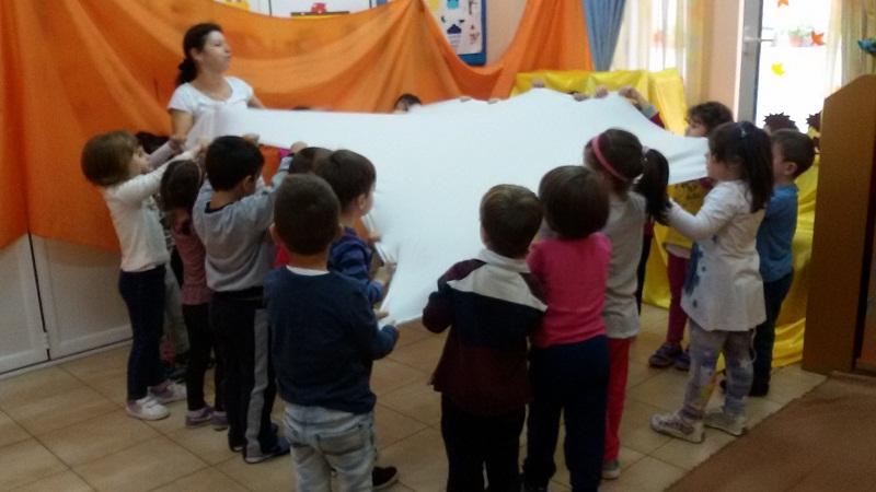 Θεατρικό Παιγνίδι στο Παραδοσιακό χωριό της Πλατείας Ταχυδρομείου