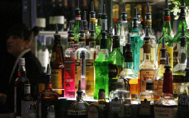 Ζάκυνθος: Κατασχέθηκαν 300 λίτρα ποτά «μπόμπες»