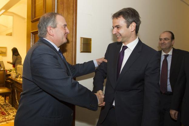 Συνάντηση του Κυρ. Μητσοτάκη με τον Κ. Καραμανλή