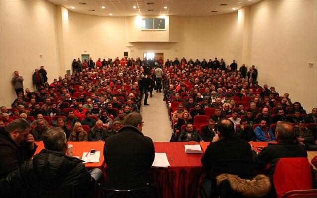 Πανελλαδική σύσκεψη αγροτών σήμερα στη Λάρισα