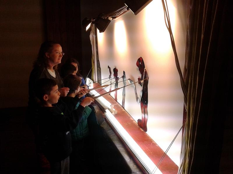 Καραγκιόζης στο Λαογραφικό Μουσείο και στο Μουσικό Σχολείο