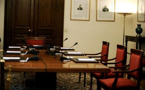 Ζητούμενο η κοινή θέση για το προσφυγικό στο Συμβούλιο Πολιτικών Αρχηγών