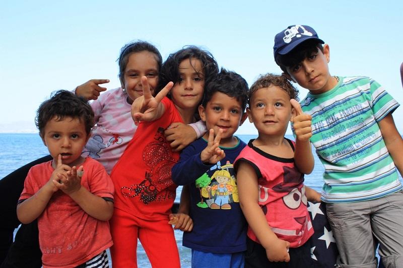 Δίπλα στους πρόσφυγες