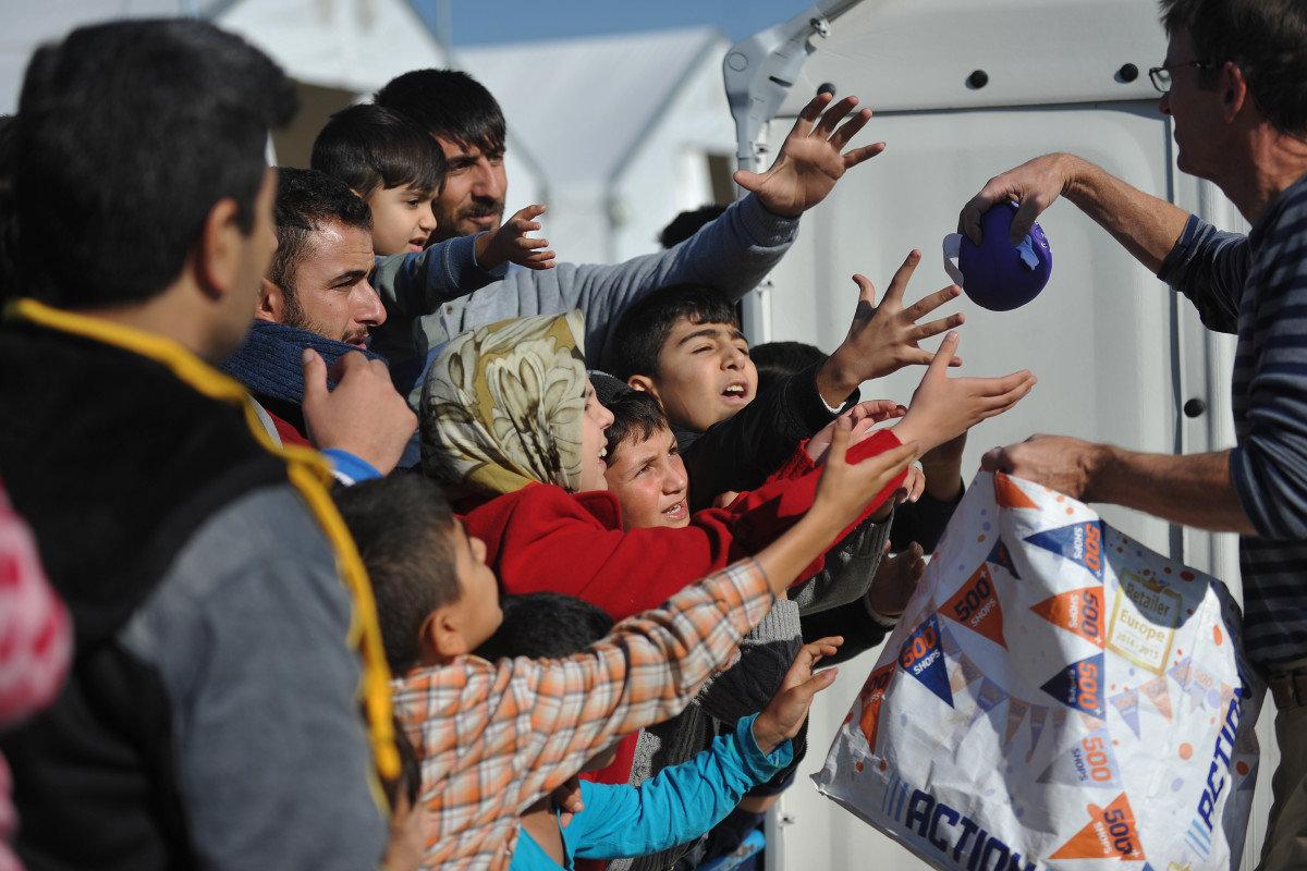 Βοήθεια για τους πρόσφυγες συγκεντρώνει η ΕΛΜΕ ν. Λάρισας