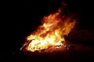 Αγιά: Φωτιά δίπλα στον Βιολογικό Καθαρισμό