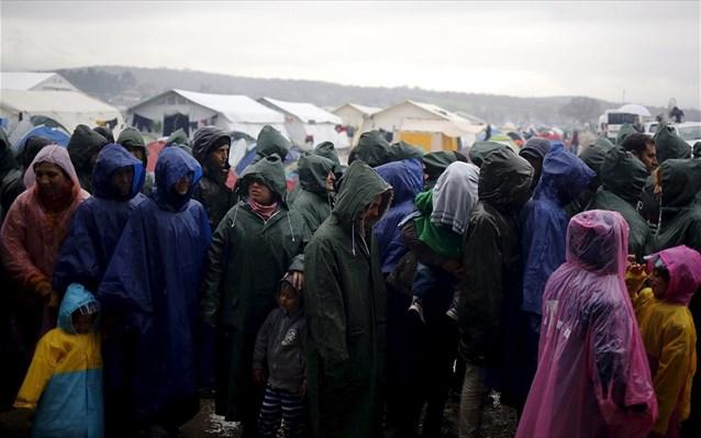 Επαναπροώθηση 81 παράτυπων μεταναστών