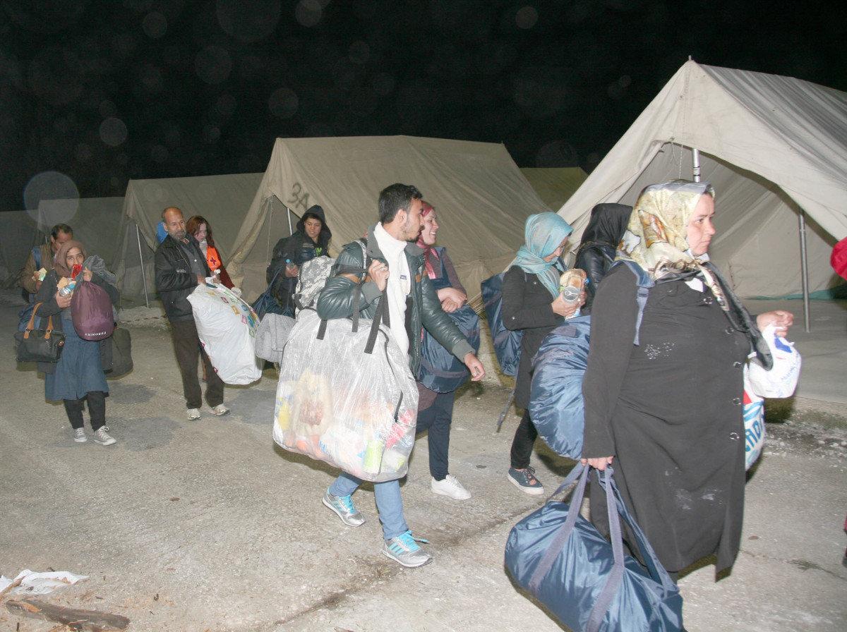 Φωτορεπορτάζ από την άφιξη προσφύγων στη Λάρισα