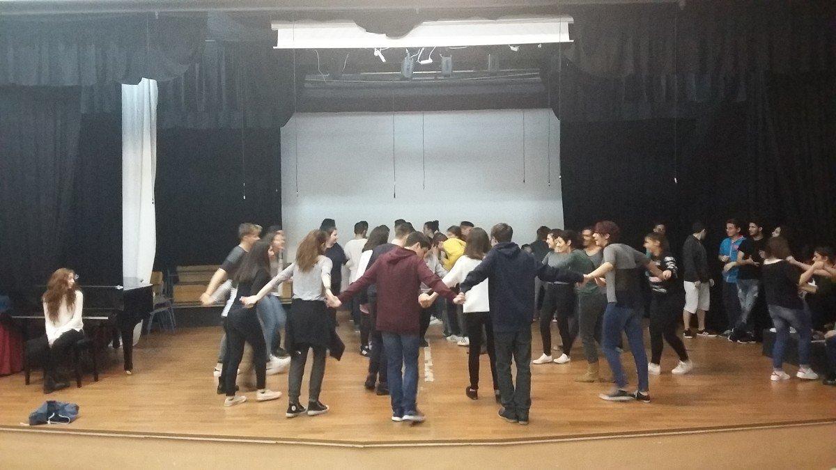 Βιωματικό εργαστήρι χοροθεραπείας στο Μουσικό Σχολείο Λάρισας