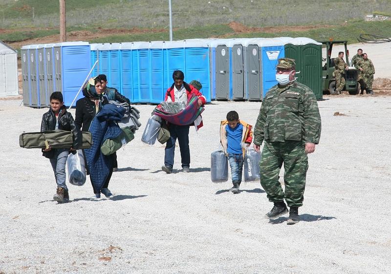 Το πρώτο… καραβάνι προσφύγων