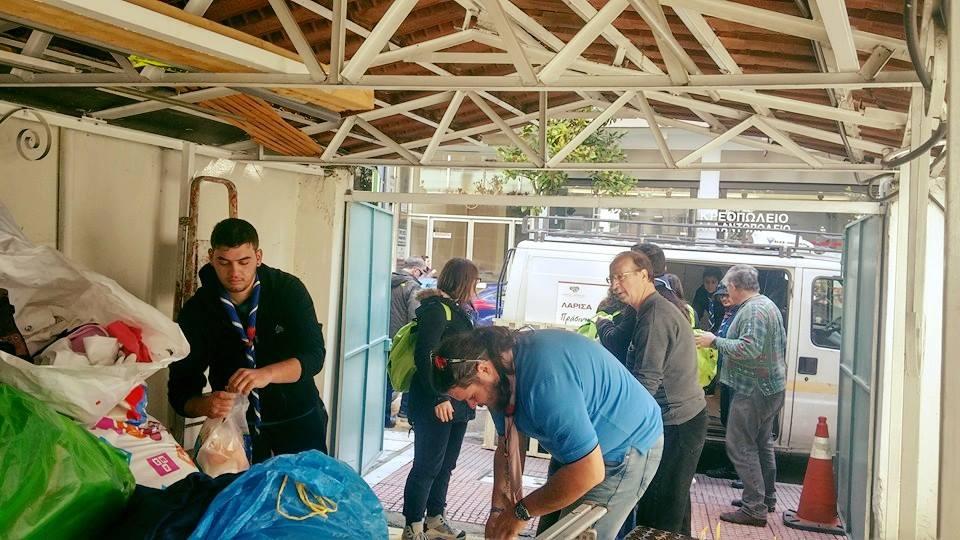 Λάρισα: Νέος χώρος διαχείρισης ρουχισμού για τους πρόσφυγες
