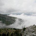 Οδηγώντας πάνω από τα σύννεφα (φωτό)