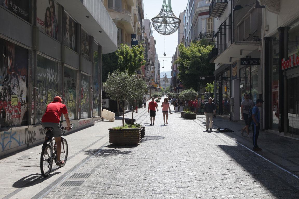 Δείτε από πότε ξεκινάει το θερινό ωράριο στην αγορά της Λάρισας