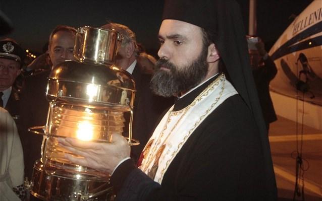 Στις 8.12 μ.μ. το Άγιο Φως στη Λάρισα