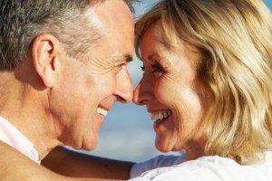 Το τακτικό σεξ μετά τα 50 βοηθά τη λειτουργία του εγκεφάλου