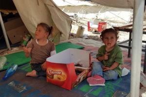 «Καλωσορίζουμε και υποδεχόμαστε τα προσφυγόπουλα στα σχολεία μας»*