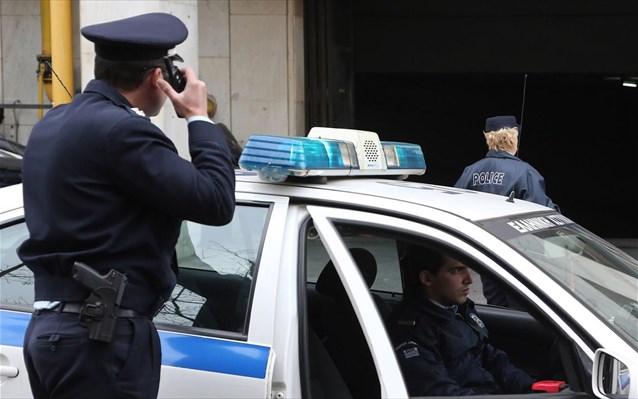 ΑΠΙΣΤΕΥΤΟ: 47χρονος στο Βόλο έκανε διάρρηξη σε αυτοκίνητο με σκοπό... να πάει φυλακή