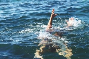Ζευγάρι πνίγηκε στη θάλασσα