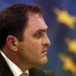 «Αυστηρές νομικές κυρώσεις για απειλές κατά εφοριακών»