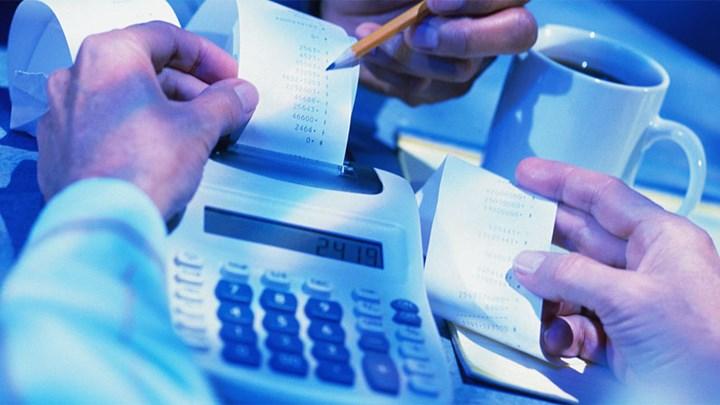 Ποιοι απειλούνται με έξτρα φόρο έως και 10.000 ευρώ
