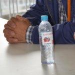 Κέρασαν τους κτηνοτρόφους νερό… «ΣΥΡΙΖΑ» (ΦΩΤΟ)