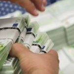 Η… μισή Ελλάδα χρωστά στην εφορία