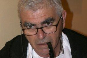 Άγγελος Πετρουλάκης:  «Μισό αιώνα, παλεύω με τις λέξεις…»