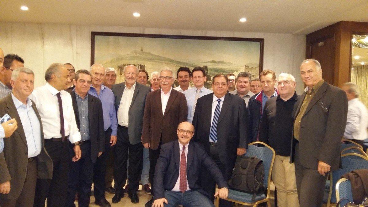 Στη Λάρισα κάλεσε ο Π. Γούλας τον υπουργό Παιδείας