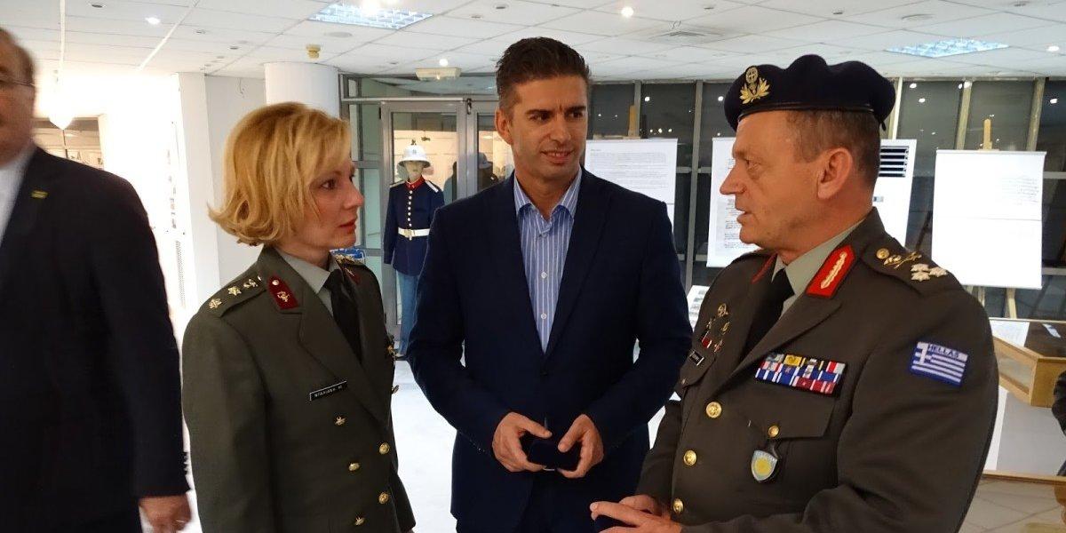 Γιατροί του Στρατιωτικού Νοσοκομείου Λάρισας στα σχολεία