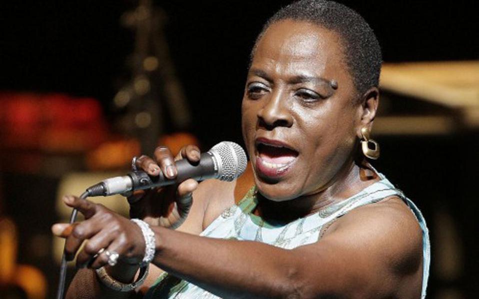 Πέθανε η τραγουδίστρια Σάρον Τζόουνς