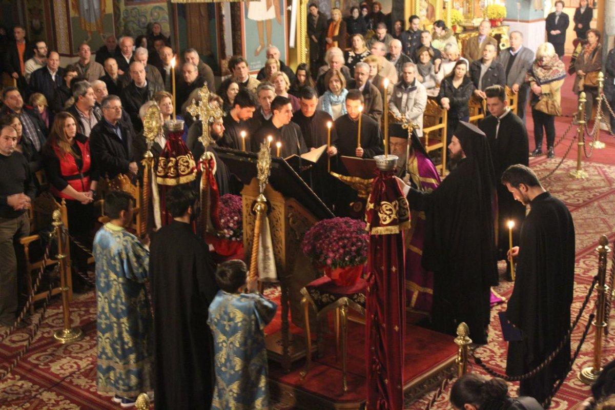 Λαρισαίοι στην Εορτή για τα Εισόδια της Θεοτόκου (ΦΩΤΟ)