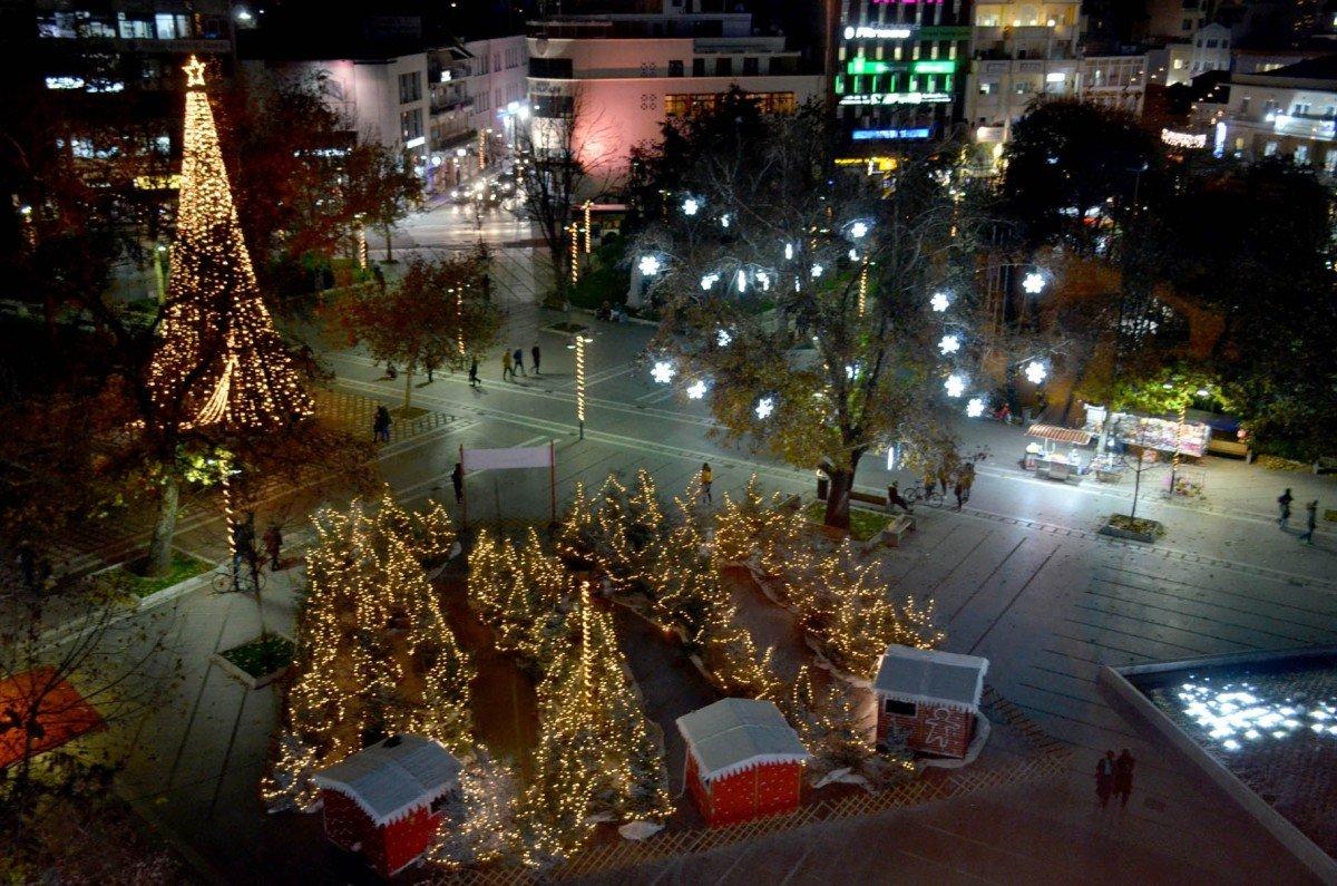 Σε χριστουγεννιάτικους… ρυθμούς