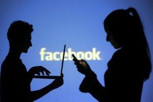 Το Facebook «σκοτώνει» τα Χριστούγεννα