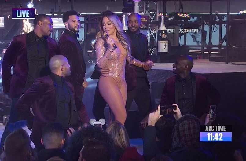 «Φιάσκο» για την Mariah Carey στην Times Square – Έφυγε σε έξαλλη κατάσταση (ΒΙΝΤΕΟ)