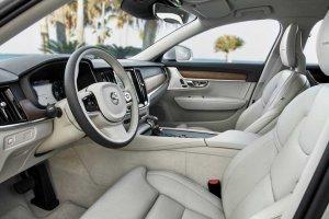 H Volvo έβαλε πρώτη Skype στα νέα αυτοκίνητά της