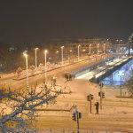 Εντυπωσιακές εικόνες από την παγωμένη νύχτα στη Λάρισα