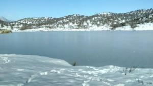 Πάγωσε η λίμνη στο Δούσικο Τρικάλων!